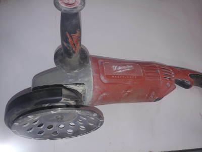 Milwaukee 7 inch Cup Grinding Wheel for Stone, Concrete